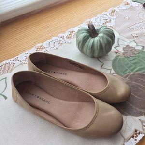 Lucky Brand Beige Leather Flats w Memory Foam 7.5